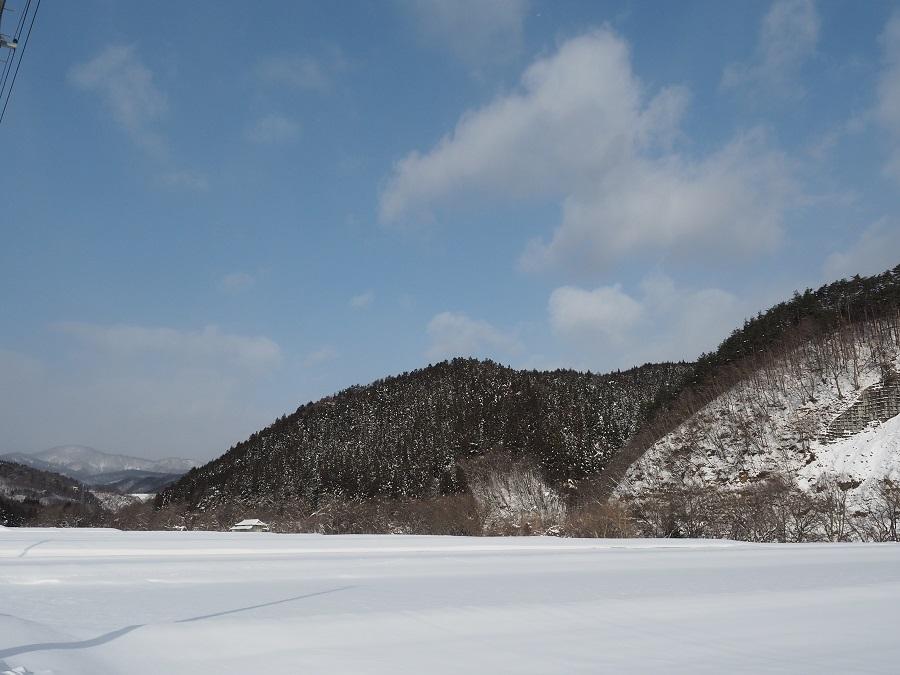 栗駒山の麓自宅付近の2月の雪の風景写真