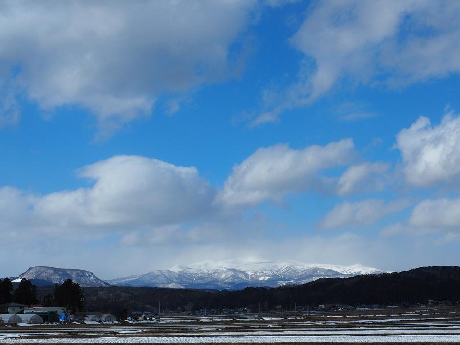 栗駒山の二月の積雪の風景写真