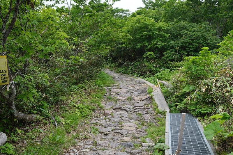 栗駒山中央コース登山道の入り口風景写真
